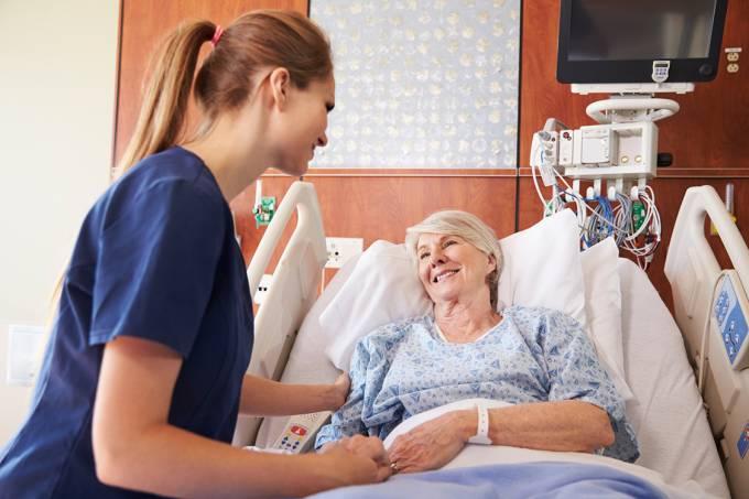 Ahopar, Fehospar e Sindipar homenageiam enfermeiros
