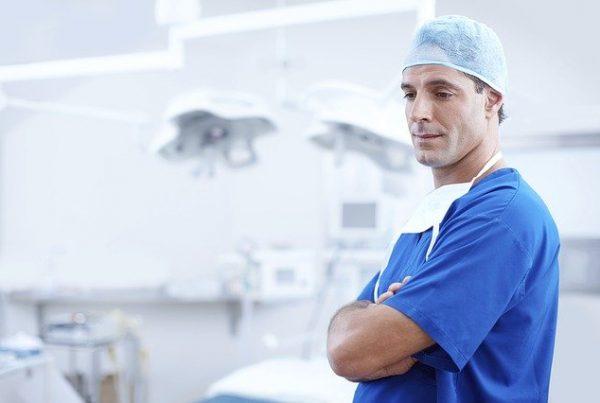 médico em hospital