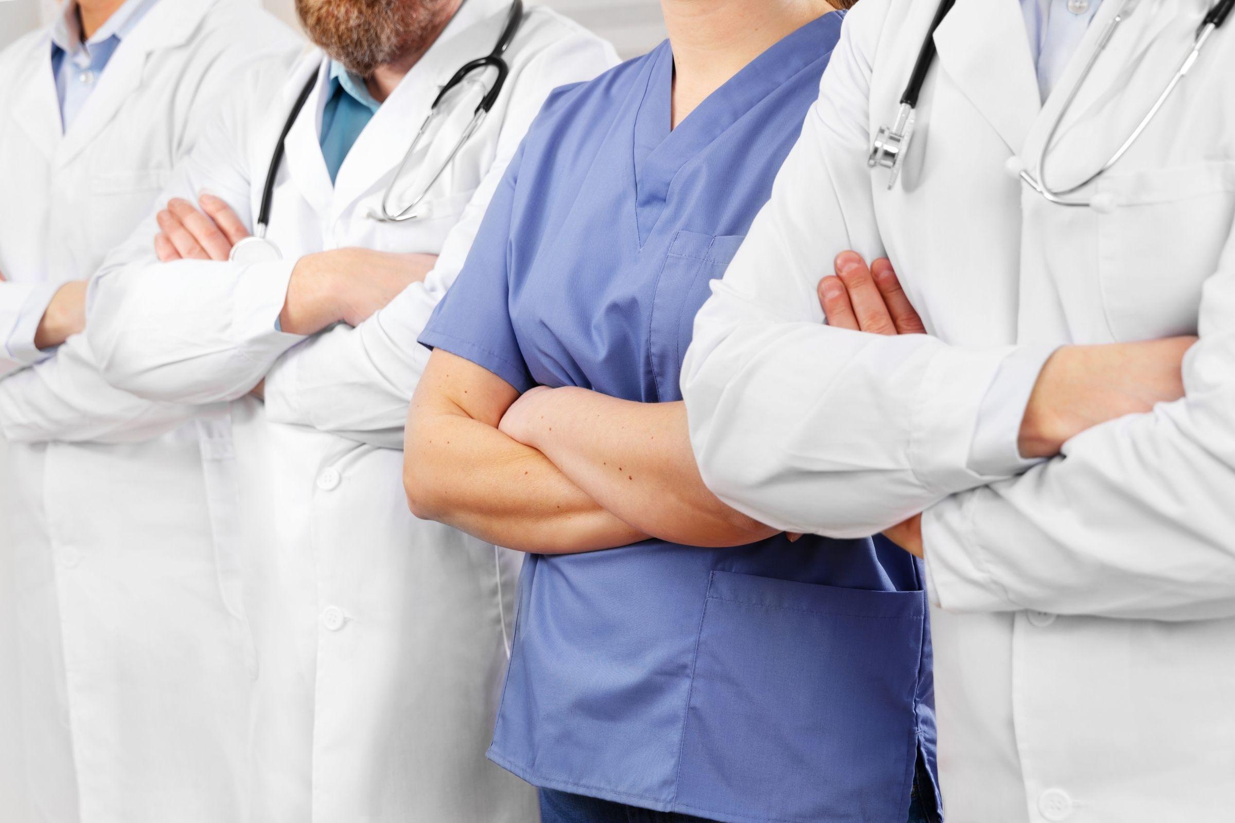 Saúde tem saldo positivo de 174 mil vagas em 2021